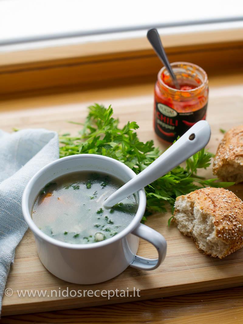Jei norisi aštrumo (ir dar daugiau šilumos) pagardinkite sriubą čili pipirų pasta