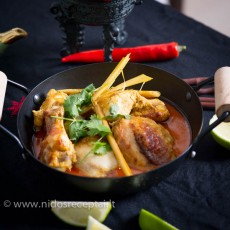 Thai yellow curry with chicken-11_Featured