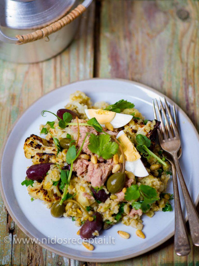 Kvieciu salotos su tunu