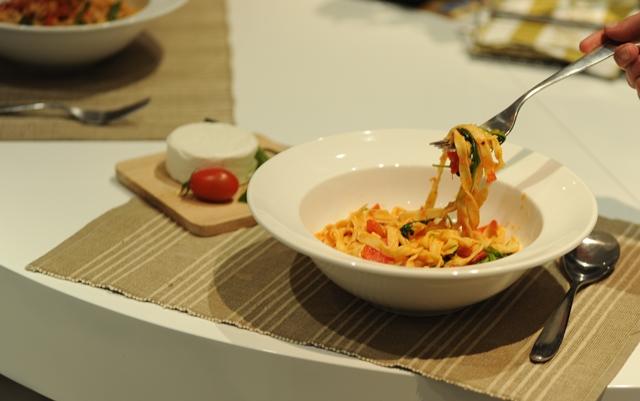vegetariska pasta su pomidorais