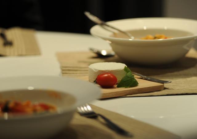 Pasta su pomidorais ir garzgarstemis