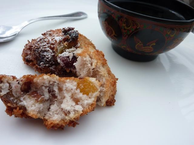 kokosiniai sausainiai su dziovintais vaisiais