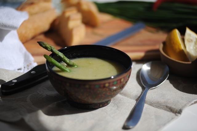 trinta sriuba su sparagais ir porais