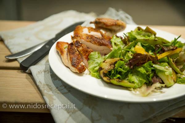 Kepta vistiens su siltomis salotomis