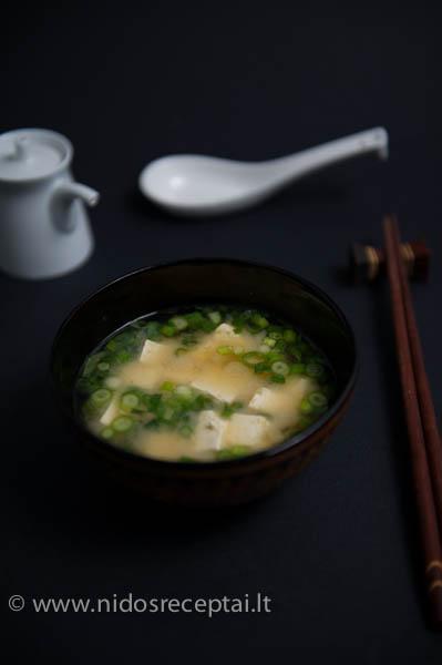 japoniska miso sriuba