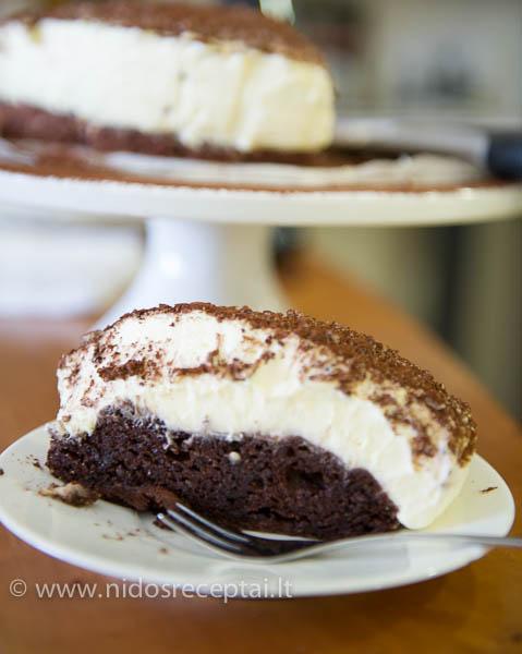 sokolado tortas su baltojo sokolado musu