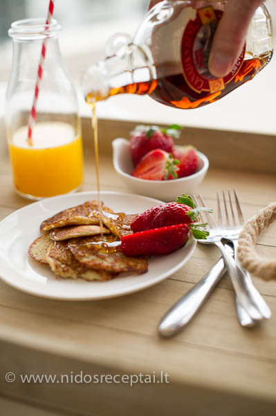Oatmeal pancakes-13_LR