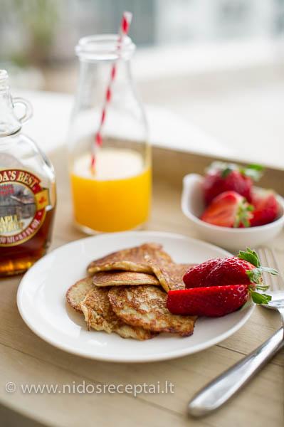 Oatmeal pancakes-4_LR