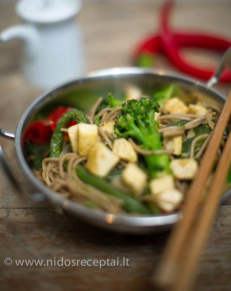 stir fry su tofu ir darzovemis