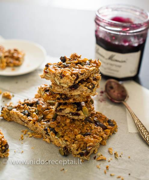 Granola sausainiai