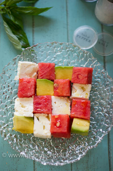 Arbuzu salotos su feta ir avokadu