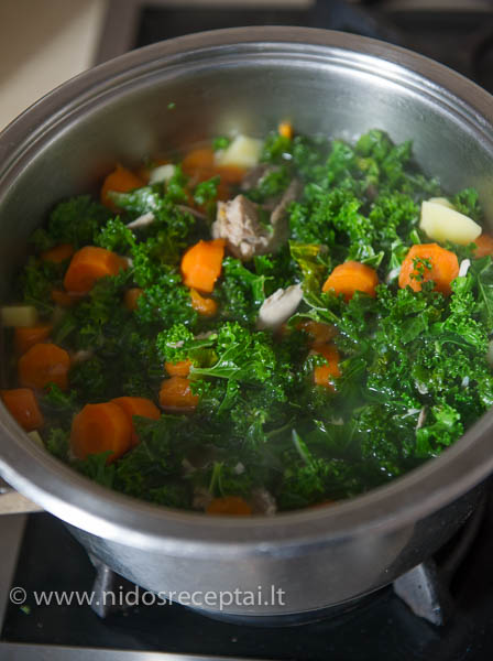 sriuba su lapiniais kopustais