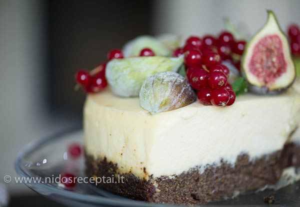 Surio pyragas su aguonu mases pagrindu
