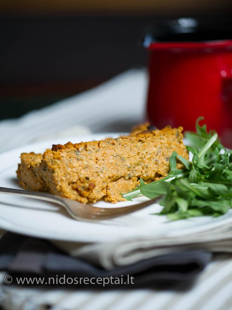 Vegetariškas paštetas su daržovėmis ir sorų kruopomis