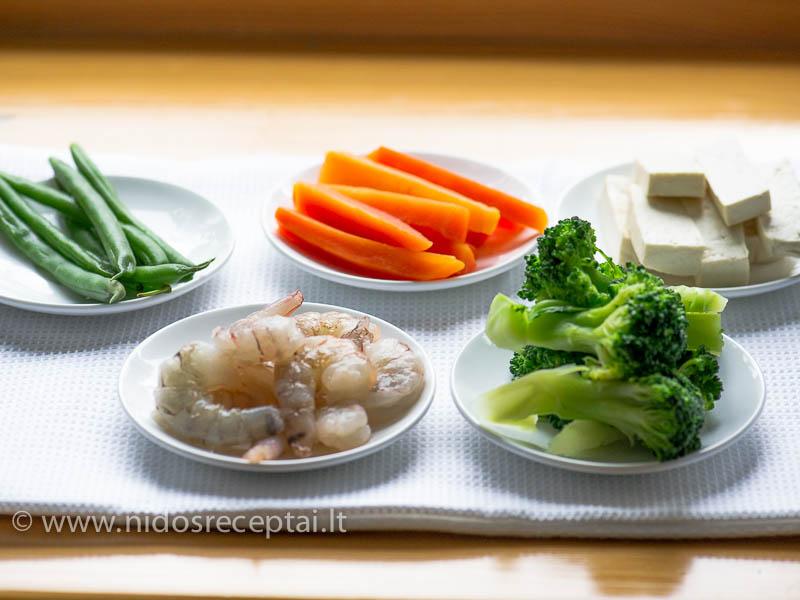 Tempurai galima naudoti įvairias daržoves, jūros gėrybes, tofu sūrį, mėsą