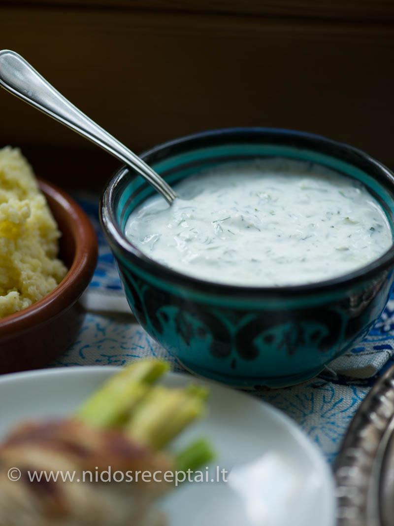 Padažas a la dzadziki su graikišku jogurtu