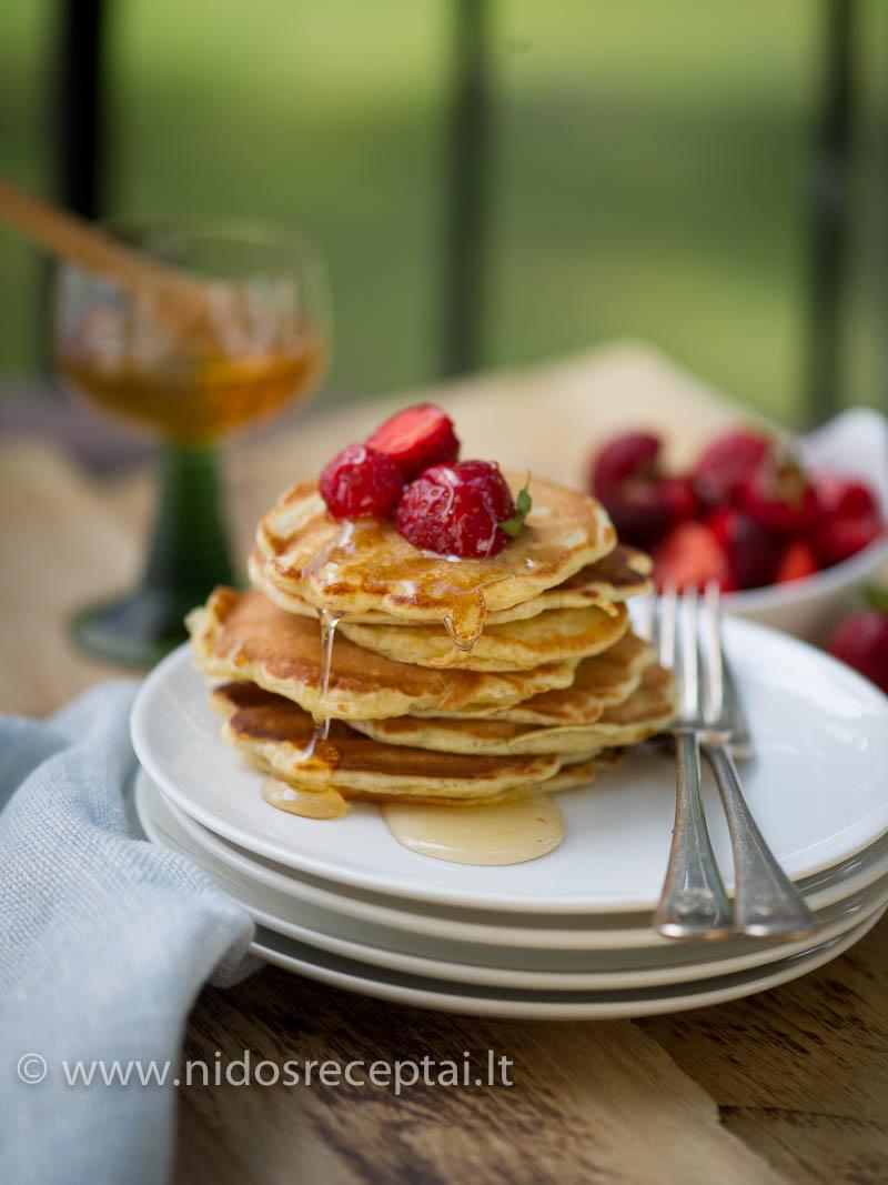 Amaranth pancakes-11_Vertical