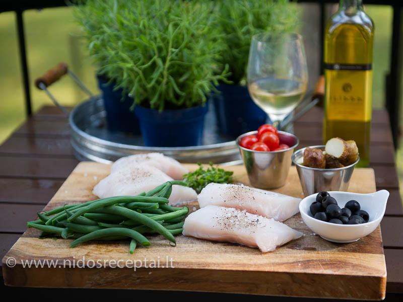 Geriems šviežiems ingredientams daug nereikia - vos šlakelio aliejaus ir balto vyno...
