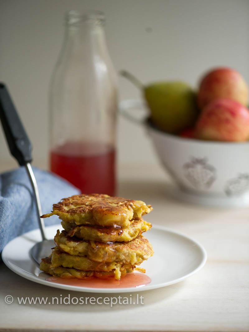 Skaniausias pusryčiams su košėmis ir blynais