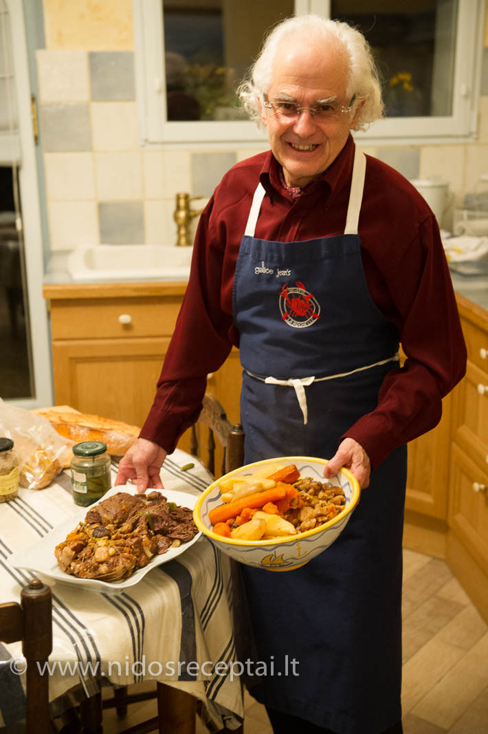 Mėsos troškiniai - paprastas, bet kartu nepaprastas patiekalas. Ypač turint omeny, jog mėsa troškinama ilgiau nei 6 valandas...