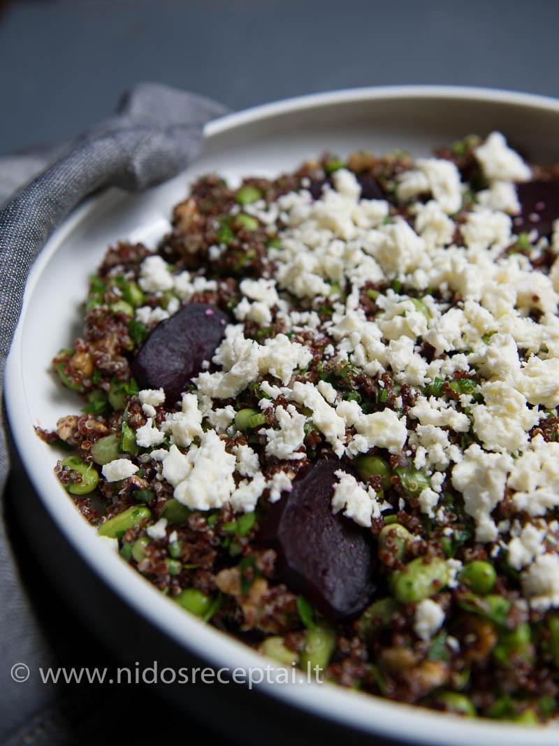 Jei dar nebandėte, išmėginkite šaldytas sojų pupeles, kurios tinka ne tik salotoms, bet ir garnyrams.