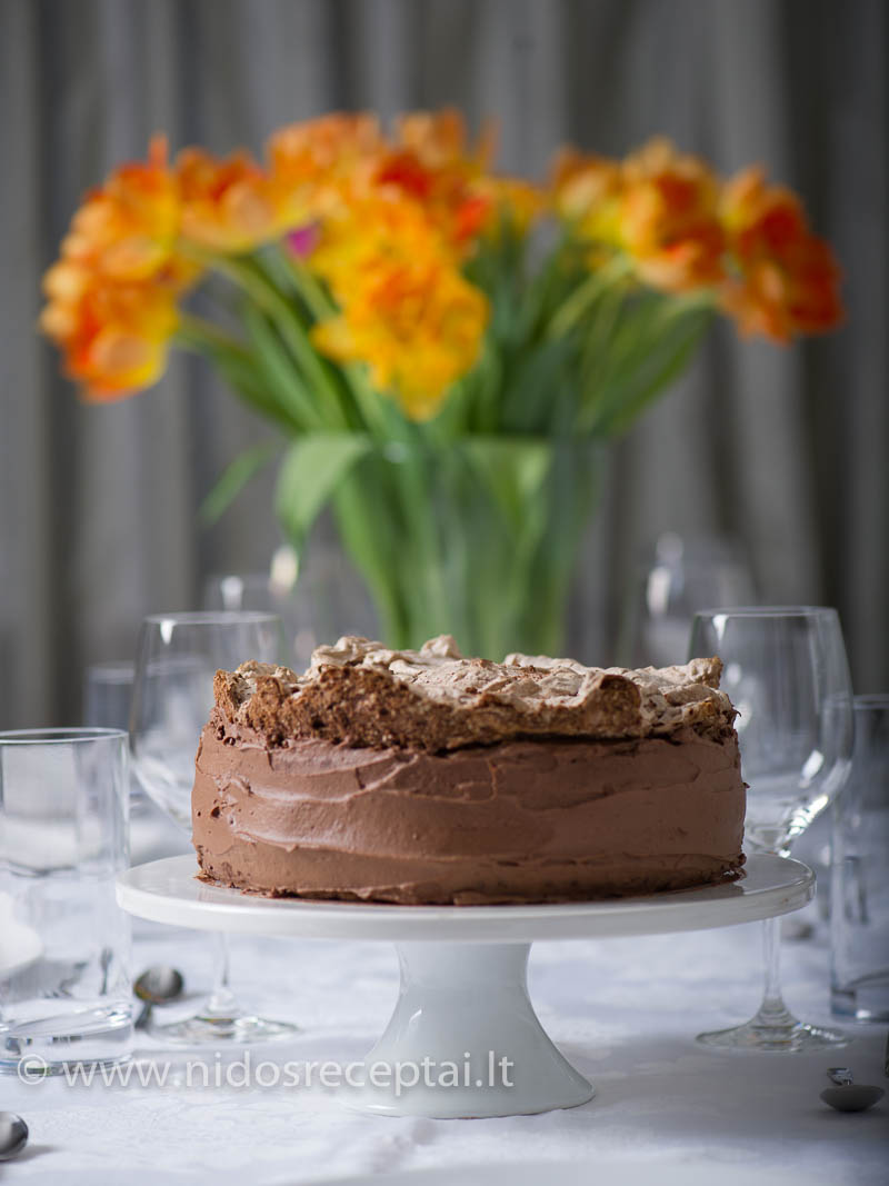 Ypatingoms šventėms tinkamas tortas