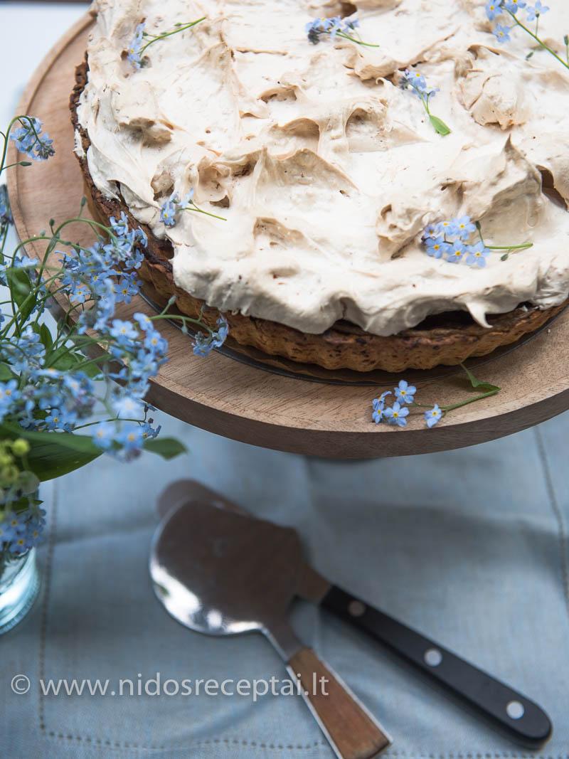 Kokosinis pyrago morengas - dar viena staigmena ragautojams