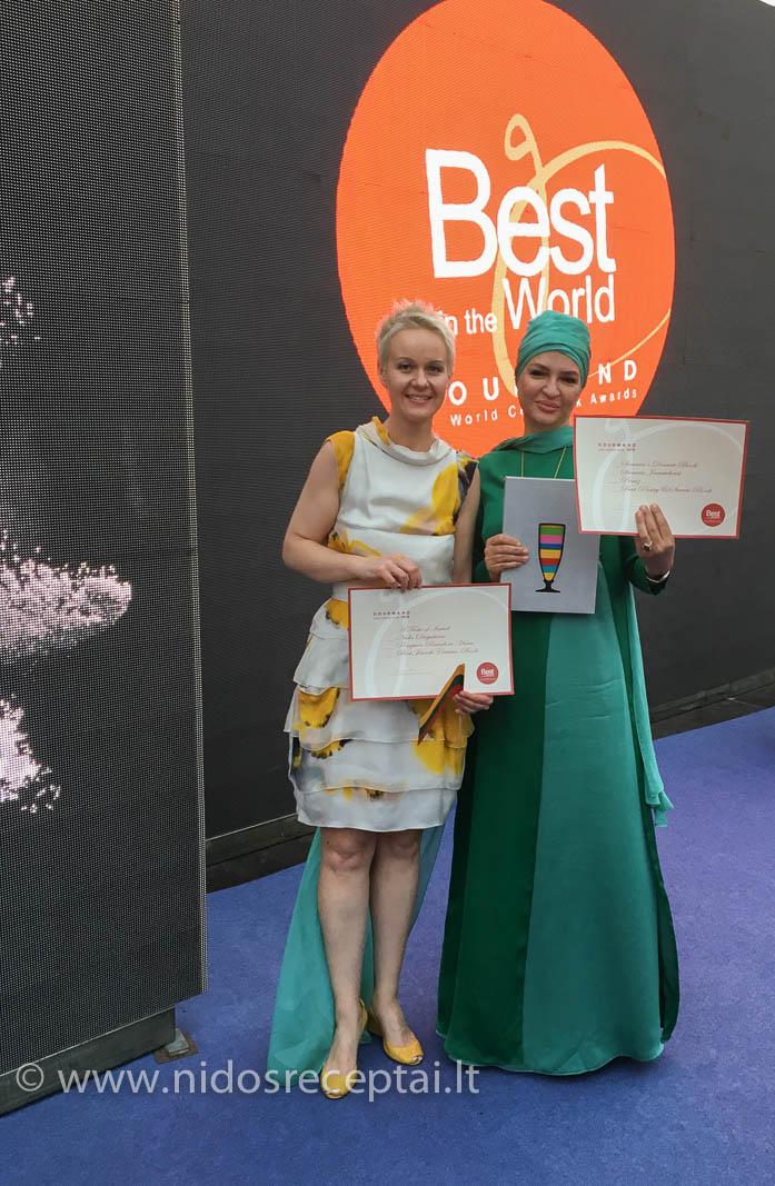 Su autore iš Irano, laimėjusia geriausios knygos titulą arabiškos virtuvės kategorijoje:)