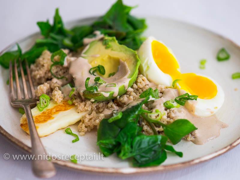Maistingos salotos pusryčiams, kad energijos pakaktų visai dienai