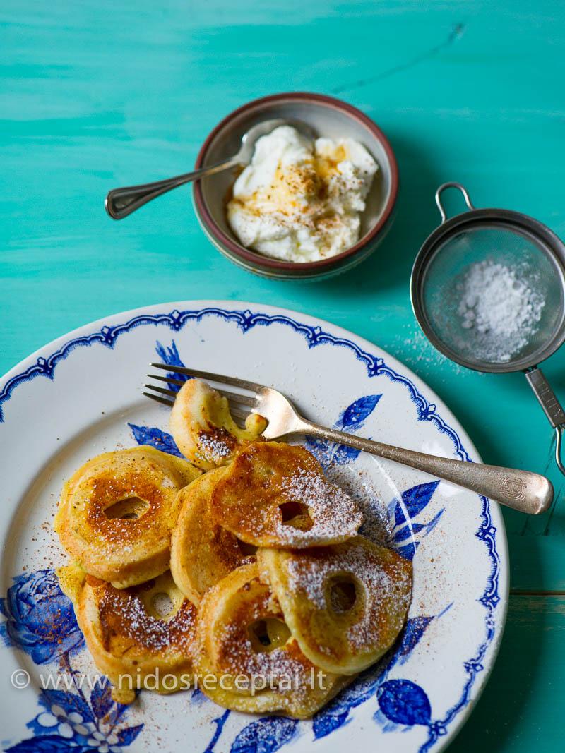 Minkštti obuolių tešloje žiedai skaniausi su jogurtu ir cinamonu