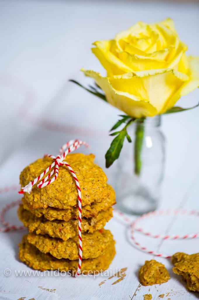 Aviziniai morkų sausainiai