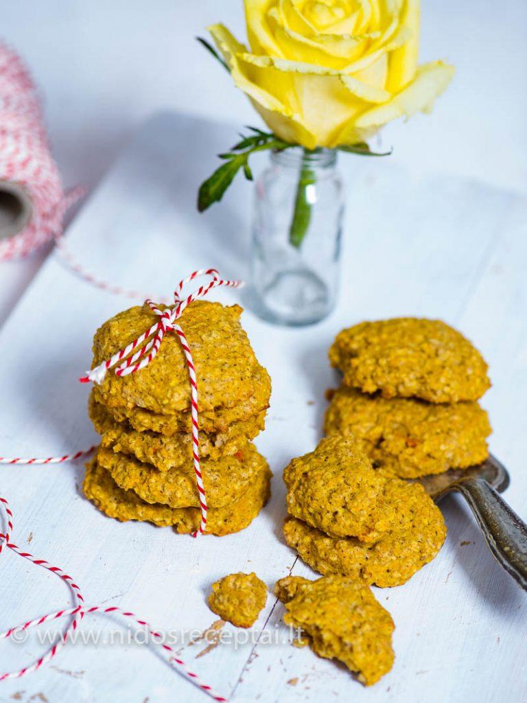 Aviziniai sausainiai su morkomis