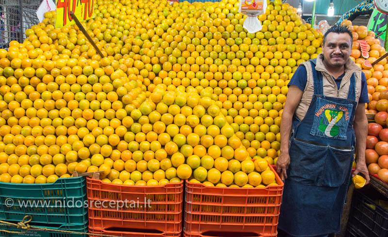 Apelsinų pardavėjas Meksikoje