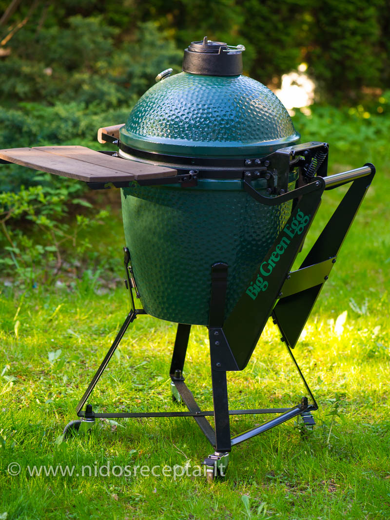 Big Green Egg grilis